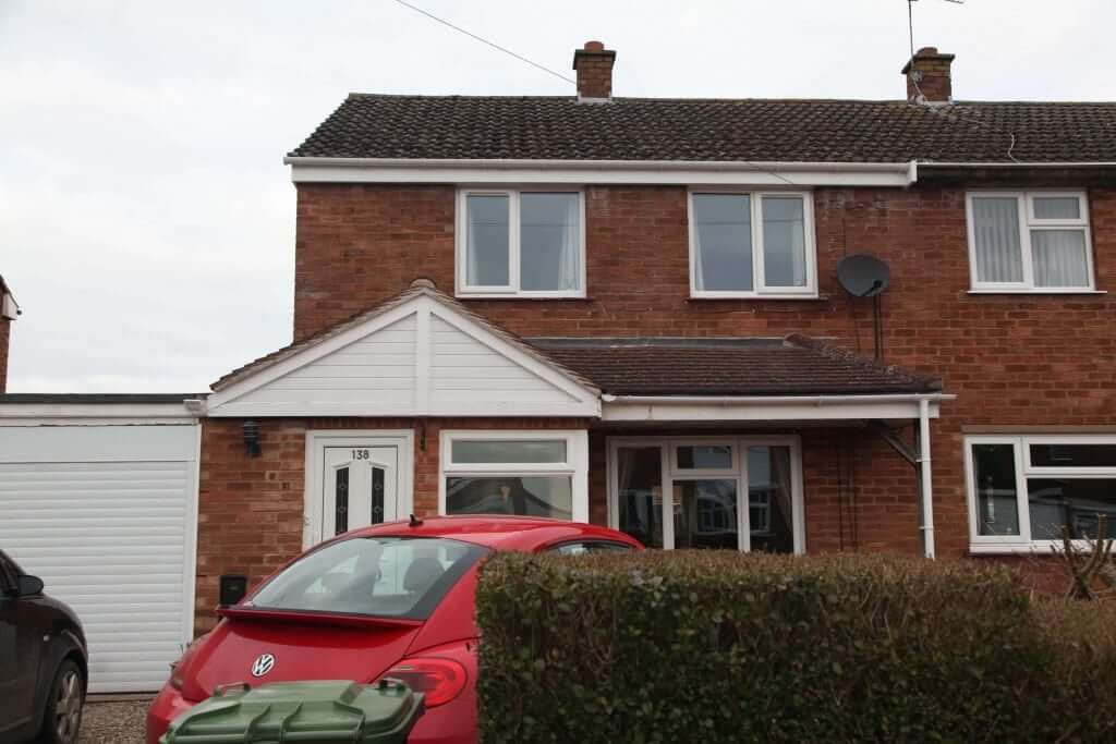 Upvc guttering front view house (3)