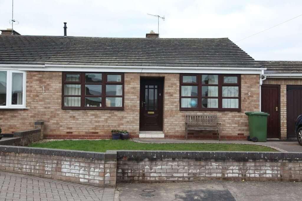 Upvc gutter bungalow front view (2)